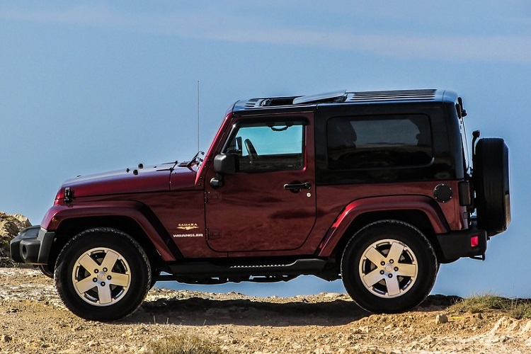 Advantages of Owning A Hardtop Jeep