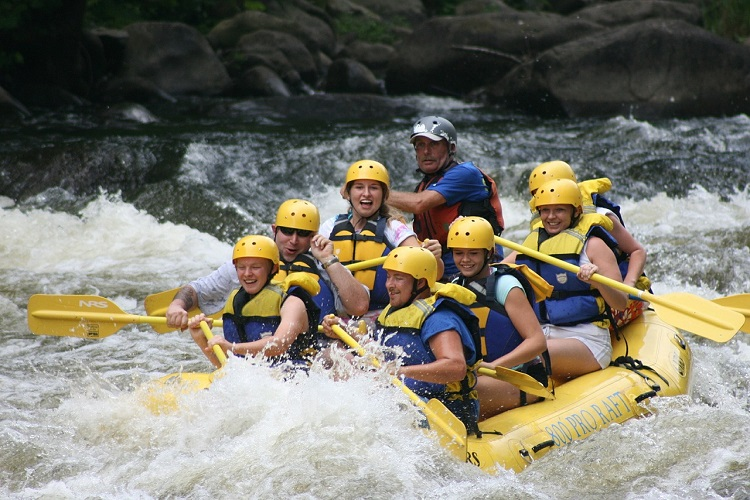 Take an Exciting Adventure Trip Going Grand Canyon Whitewater Rafting