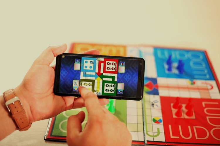 Play Ludo Game